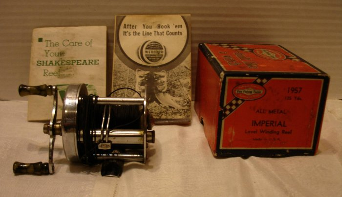 1958 Shakespeare TRIUMPH Model HE Casting Fishing Reel