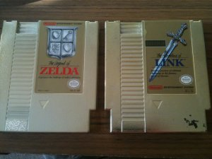 2 NES Game Lot - The Legend of Zelda & The Adventure of Link (Nintendo NES)