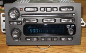 2003-2006 GM GMC CHEVY TAHOE H2 6 DISC CHANGER SILVERADO CD RADIO