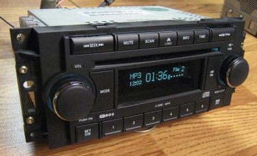 MINT JEEP CHRYSLER DODGE DURANGO 300 6 CD CHANGER MP3 RADIO WORKS WITH RSE DVD