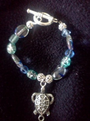 child size sea turtle stretchy bracelet