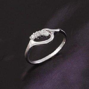 18K White Gold Zirconia Ring Size 8