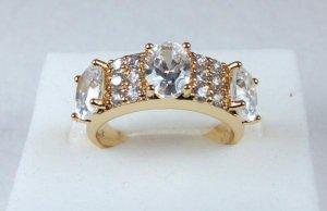 14K Gold White Topaz Ring Size 8