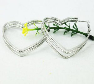 18K White Gold Heart Hoop Earrings