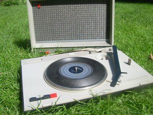 Vintage Soviet Russian Ussr Picnic Record Player Amplifier Lyder 303 Beautiful