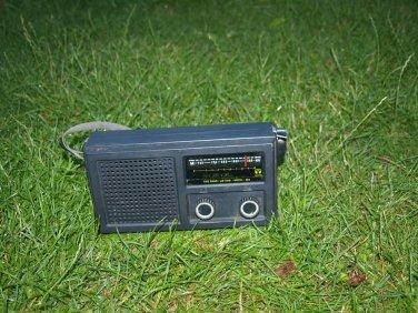 VINTAGE RARE RUSSIAN USSR SOVIET AM LW PORTABLE RADIO SOKOL 404
