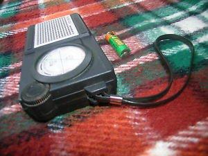 VINTAGE SOVIET RUSSIAN USSR POCKET TRANSISTOR AM LW  RADIO NEIVA 304