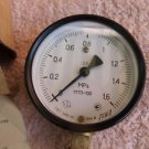 VINTAGE  SOVIET USSR RUSSIAN GENERAL PURPOSE  INDUSTRIAL PRESSURE GAUGE 1988 NOS