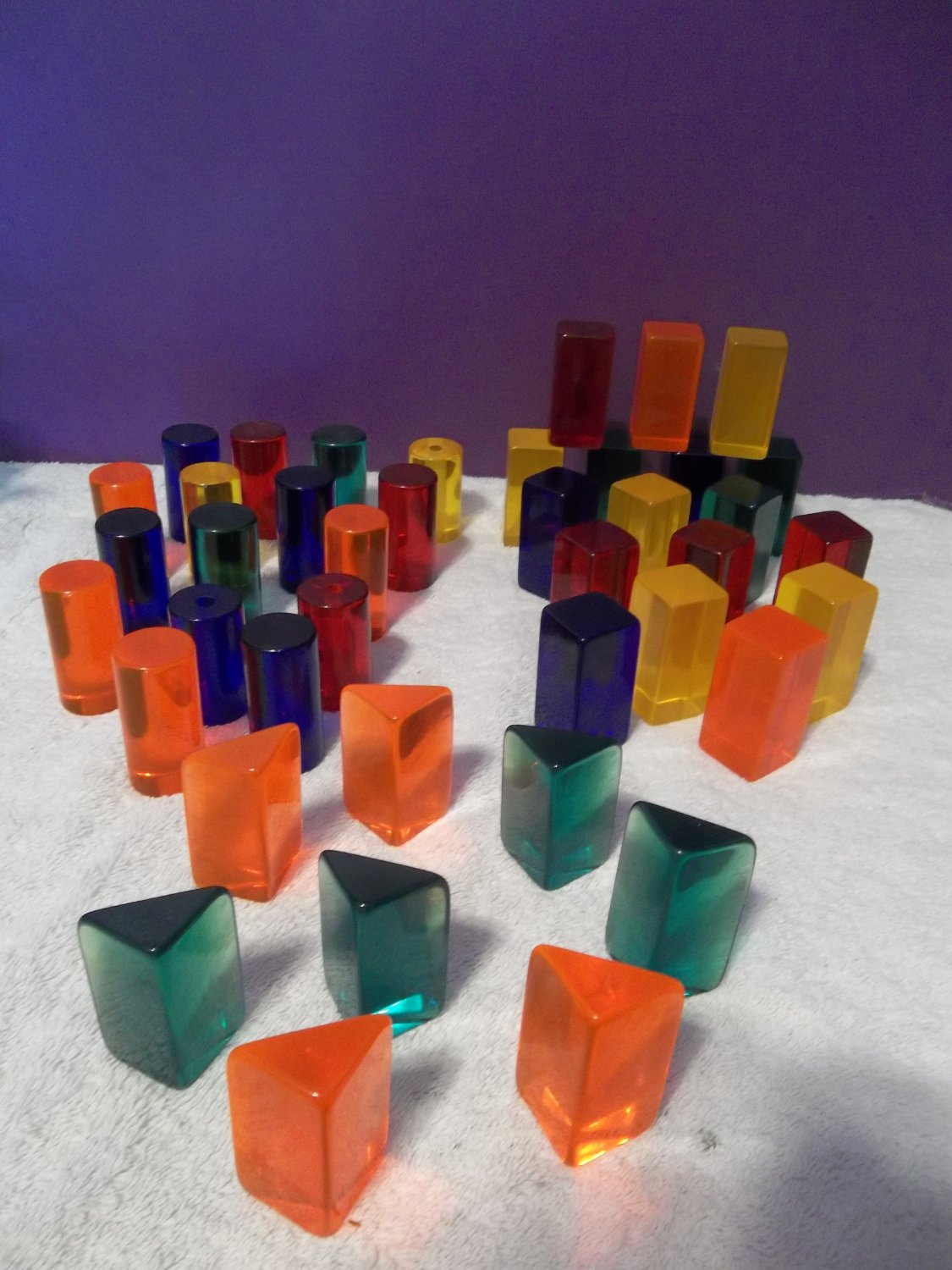 41 Colorful Vintage Modern Lucite Acrylic Blocks Sculpture Pieces Display 764