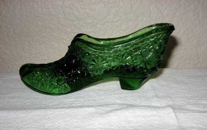 Green Glass Daisy and Button Slipper