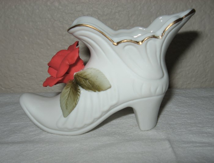 White Slipper w/Red Flower on Vamp (Japan).
