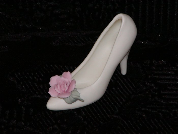 Ivory Bisque Shoe w/Pink Rose on Toe.