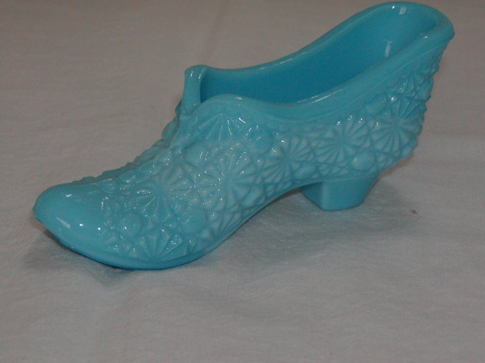 Blue Daisy and Button Glass Slipper (LG Wright).