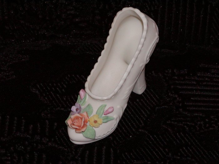 Lefton Ivory Bisque Shoe w/Flowers on Front (Japan).