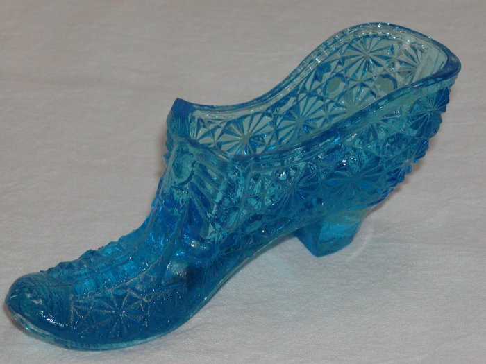Blue Glass Daisy and Button Slipper (Believed to be by Cambridge Glass).