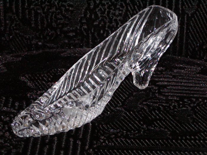 24% Lead Crystal Slipper by Godinger (Taiwan).