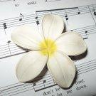 Retro White Flower Pin