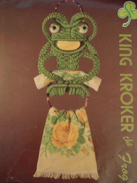 Frog Macrame Pattern Vintage Towel Soap Washcloth Holder