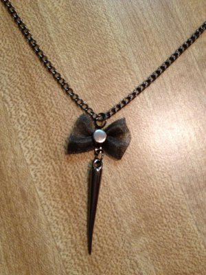 Necklace- gunmetal Chain, Gunmetal-plated mesh bow with gunmetal spike