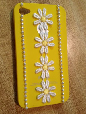 Cell Phone - Iphone 4-4s Hard Case- Yellow with Daisy Lace and faux pearls
