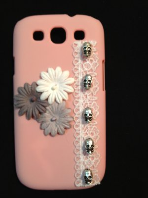 Cell Phone Couture- Samsung Galaxy III Hard Case- Light Pink Skulls