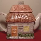 CHARMING DECORATIVE PORCELAIN  TEAPOT VILLAGE HOUSE STRAY ROOF
