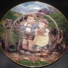 DANBURY MINT M.J. HUMMEL PLATE COLLECTION LITTLE COMPANIONS 'COUNTRY CROSSROADS'
