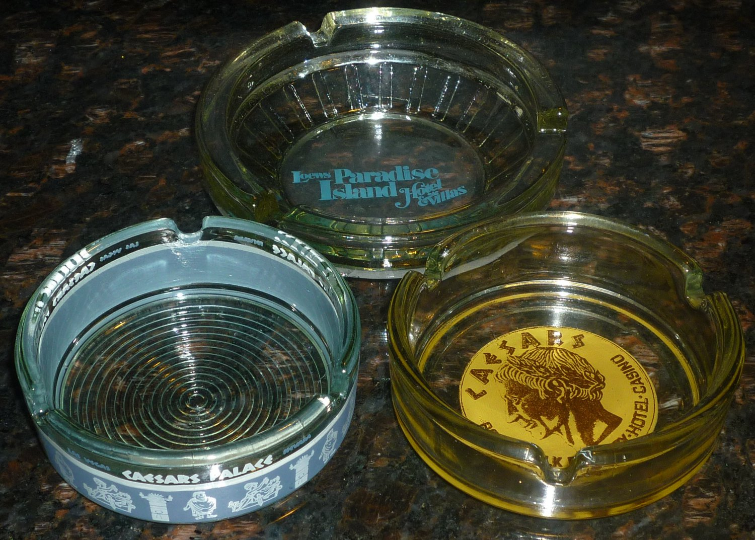 Vintage Glass Collectibles Hotel S Ashtrays Lot Of 3