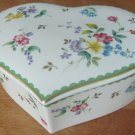 "BEAUTIFUL CHRISTOPHEN STUART ""GARDEN DELIGHT"" HEARTSHAPED BONE CHINA TRINKET BOX"