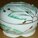 VINTAGE ELEGANT FINE PORCELAIN FOOTED POWDER TRINKET JEWELRY BOX JAPAN W RICE