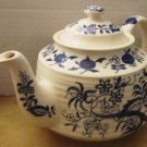 VINTAGE TEA POT BLUE ONION DESIGN BY SADLER ENGLAND RARE HORIZONTAL RIBBED