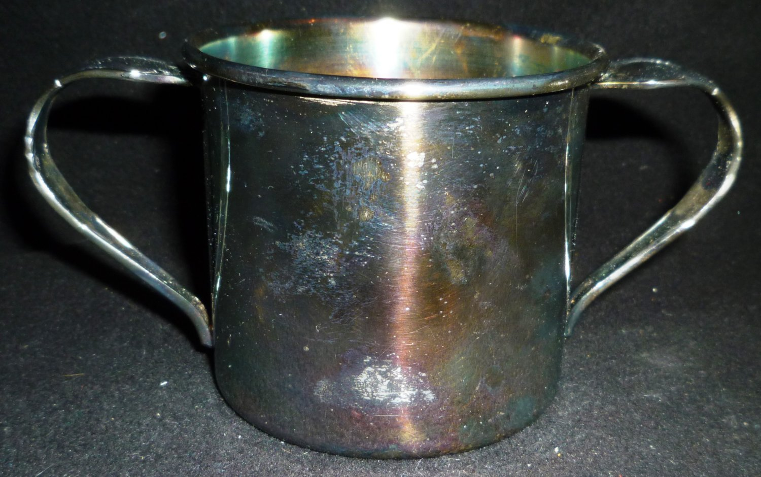VINTAGE ONEIDA SILVERPLATE DOUBLE HANDLE CHILD'S CUP AFFECTION PATTERN OL