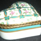 VINTAGE PORCEAIN LIMOGES FRANCE HANDPAINTED HEART SHAPED BRASS LOCK TRINKET