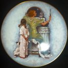 ROYAL DEVON COLLETIBLE PLATE 1979 NORMAN ROCKWELL'S MOTHER'S DAY EVENING OUT NMB