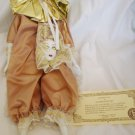 VINTAGE BRINN'S COLLECTIBLE PORCELAIN DOLL CARNIVAL IN VENICE WITH MASK NMB