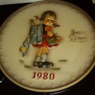 GOEBEL W.GERMANY 1980 ANNUAL PLATE M.J. HUMMEL SCHOOL GIRL IN BAS RELIEF