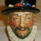 VINTAGE ANTIQUE ROYAL DOULTON ENGLAND TOBY MUG BEEf EATER MARKED 'A'