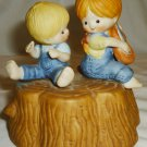 CHARMING ENESCO 1980 PORCALIN MUSIC BOX BOY & GIRL BROTHER & SISTER PLAYMATES
