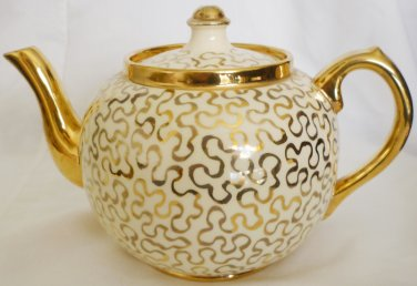 ANTIQUE SUDLOW GOLD CORNELLI LACE PATERN 0657 BEAUTIFUL PORCELAIN TEAPOT ENGLAND