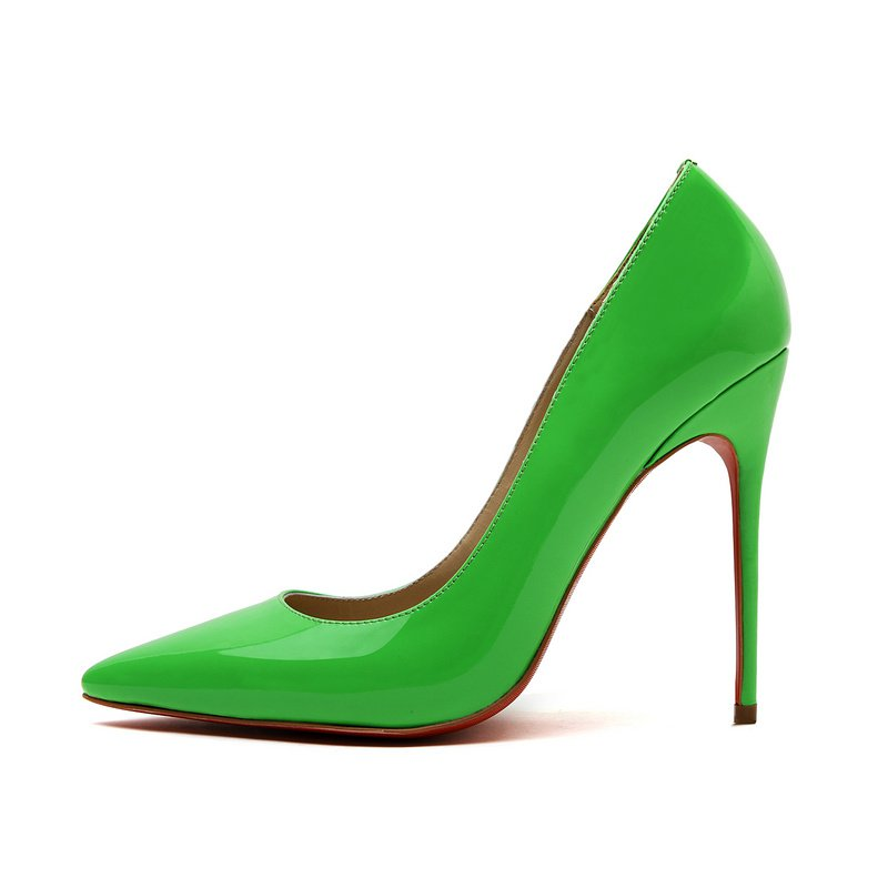 Cloverl Classic Jane Pump in Patent leather in Green