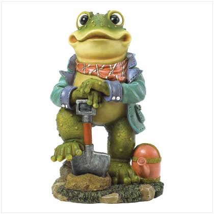 FROG WITH SHOVEL STATUE