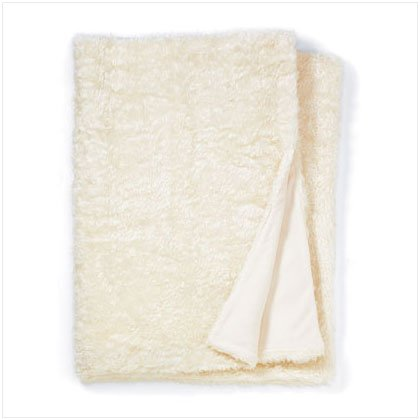 WHITE FULL SZ FAUX FUR BLANKET