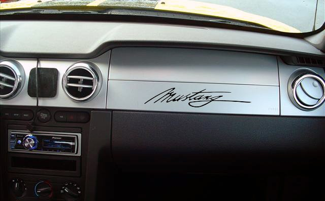 05-07 Ford Mustang Dash decal
