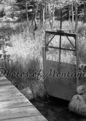 5x7 Photo ~ Black & White #001 Irrigation in Montana