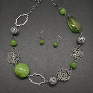 Green necklace & earring set