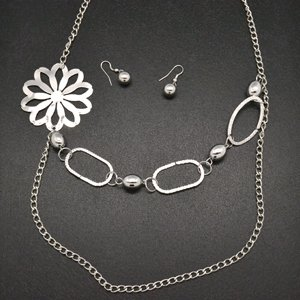 Silver flower necklace and earring set