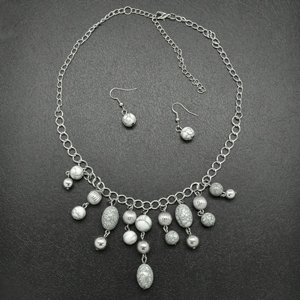 White and silver necklace & earring set