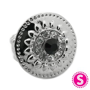 Black and silver circle stretchy ring