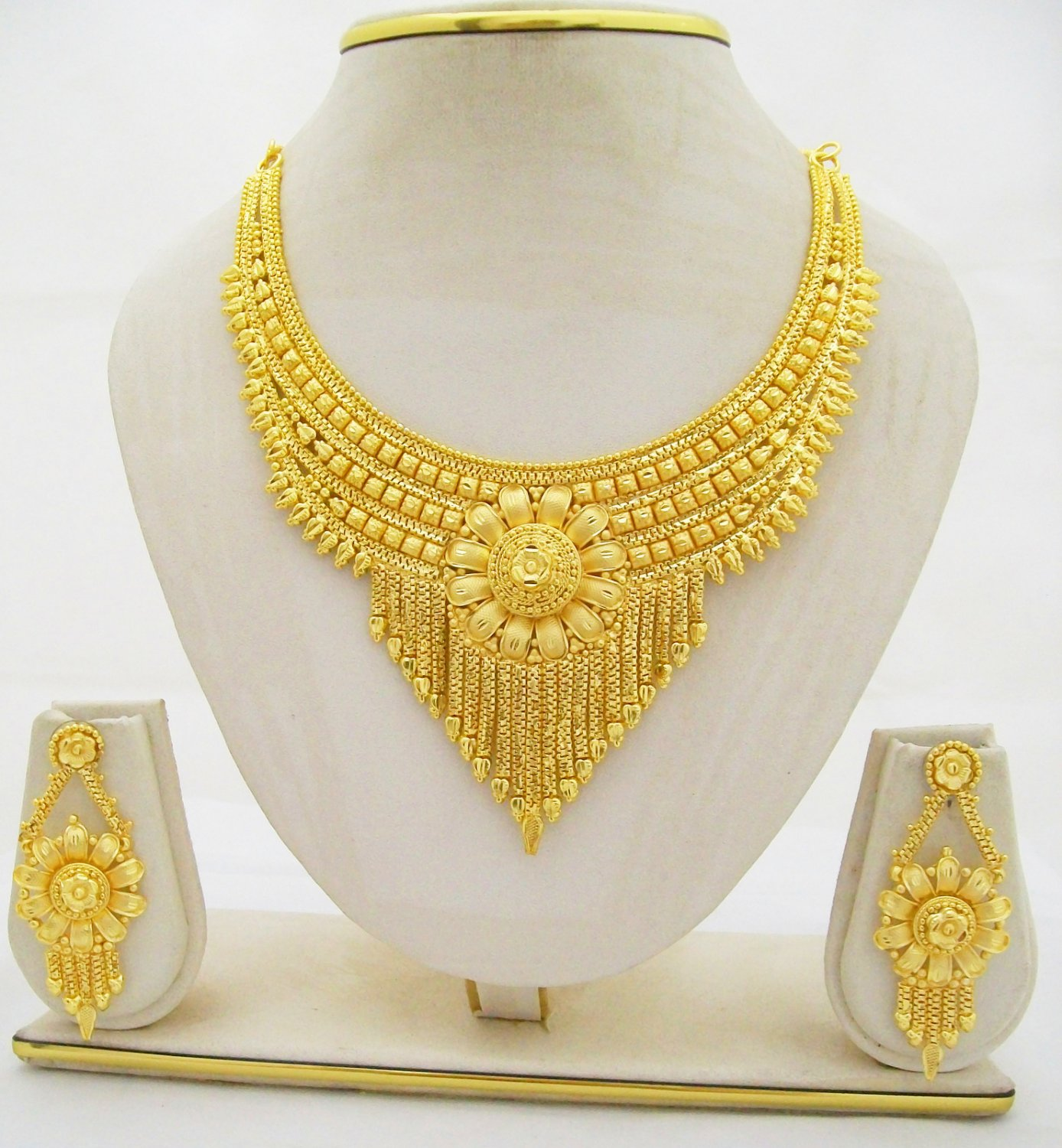 Lovely Gold Jewellery Sets Designs | Jewellry\'s Website