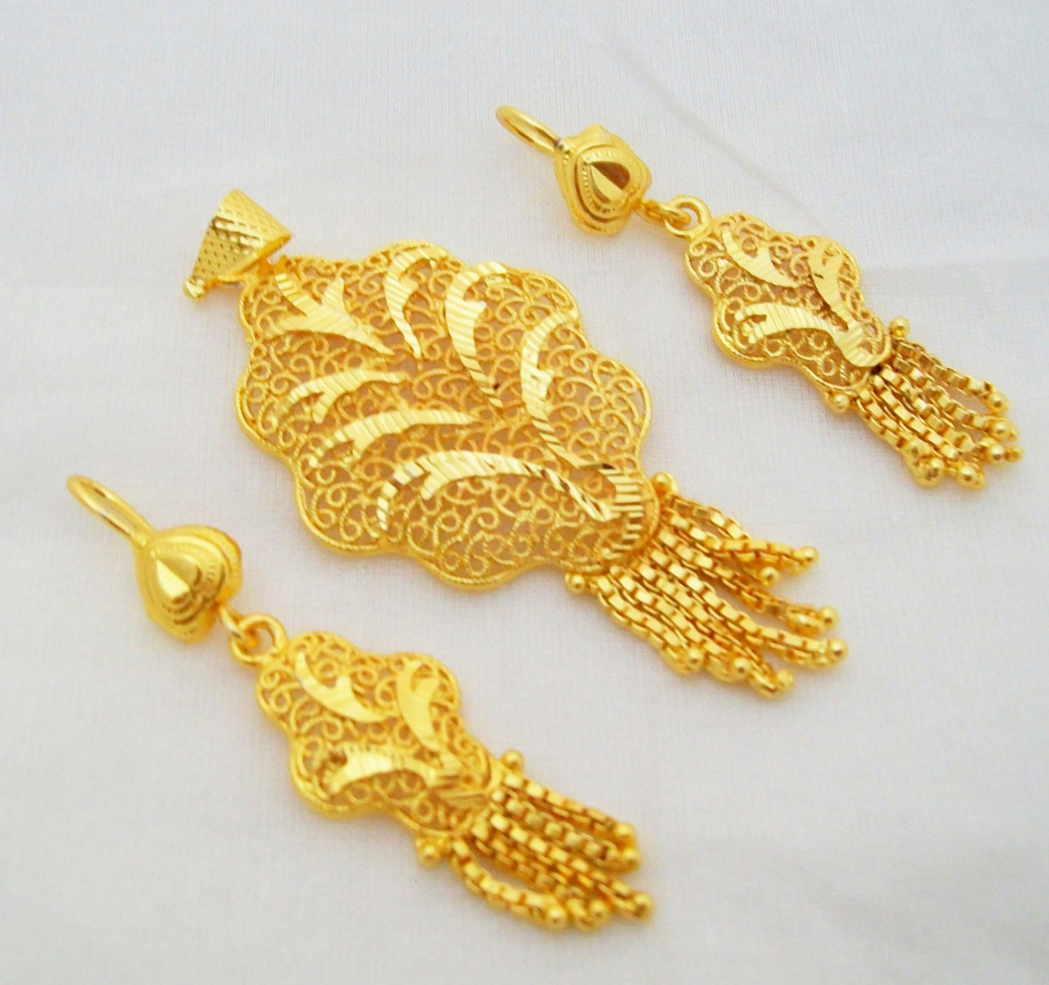 Handmade Filigree Gold Plated Pendant Earring Set